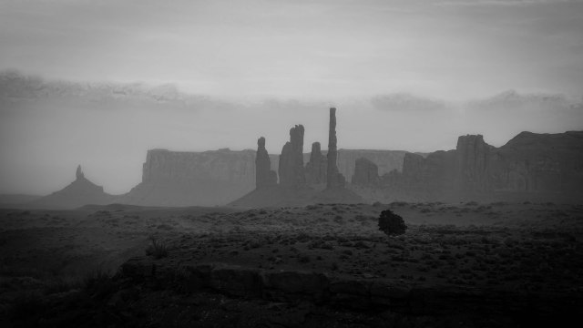 AZ monument valley BW 3