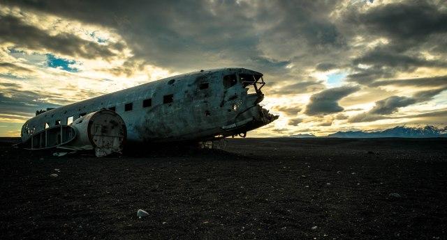 Iceland post plane LEAD